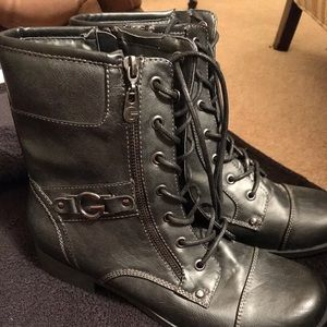 New lace up women's Guess boots